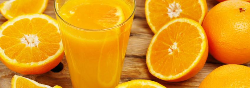 Jus d'orange frais et cocktail à base de jus d'orange frais